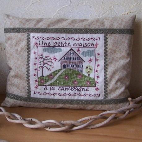 Une petite maison à la campagne fiche de broderie