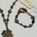 Bracelet nuit d orage bleu gris métal vieil or