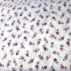 tissu patchwork blanc avec des petites fleurs rose