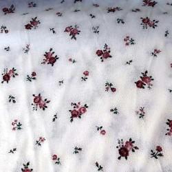tissu patchwork blanc avec des fleurs rose en bouquet