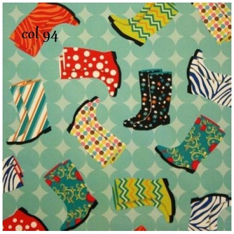 tissu patchwork avec des bottes de pluie, des chaussures