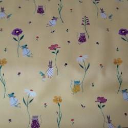 jersey impression de petites souris et chats sur fond jaune