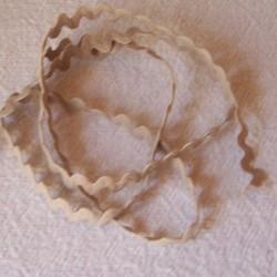 Serpentine 8 mm beige