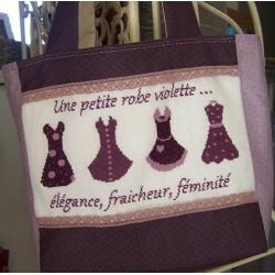 Une petite robe violette