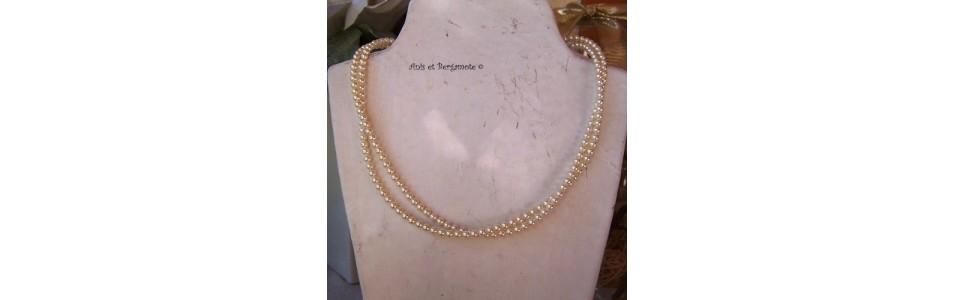 les colliers en cristal nacré swarovski